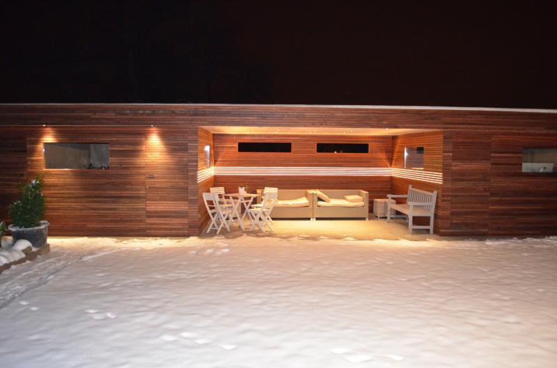 tuinhuis padoek en terrasoverkapping met led verlichting 02jpg
